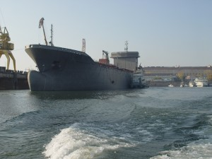 отправка танкера-химовоза на достройку